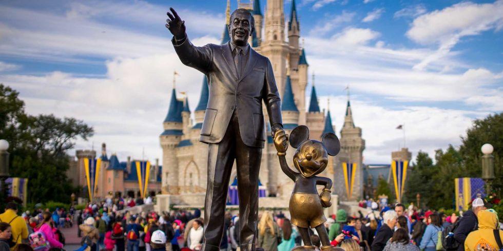 Disney: cancelamento de voo gera indenização aos pais de jovem passageira