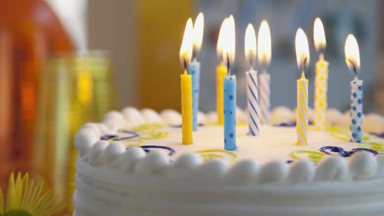 Passageiros perdem festa de aniversário de 99 anos de familiar em razão de atraso de voo