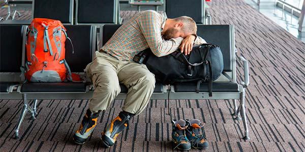 Assistências materiais em atrasos e cancelamentos de voo