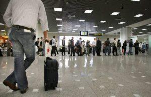 passageiro perde voo por longa fila no check in