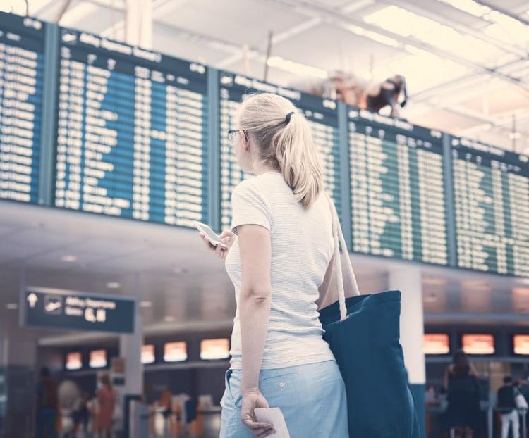 Passageira é indenizada por atraso do voo que a levaria ao Desfile das Campeãs do Carnaval Carioca
