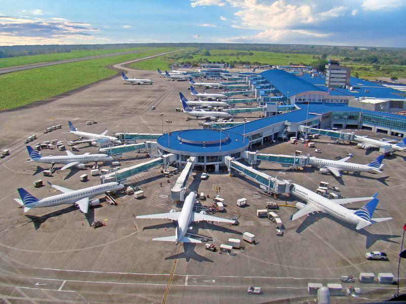 Problemas no aeroporto não impedem a responsabilização da empresa aérea pelos danos causados ao passageiro