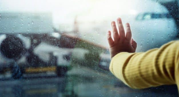4 passos para evitar ou resolver problemas com voo cancelado por mau tempo (incluindo indenização)