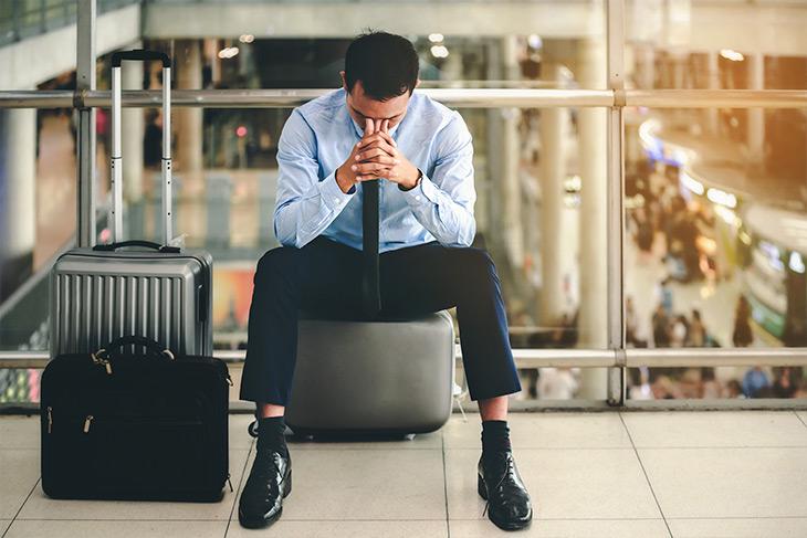 Em situações de perda de diária de hotel por problemas com o voo, quais são os direitos do consumidor?